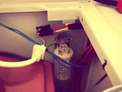 Стиральная машина бьется током – что делать?
